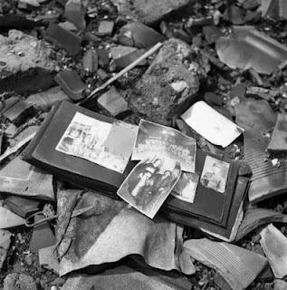 Foto Tragedi Bom Atom Hiroshima Dan Nagasaki [ www.BlogApaAja.com ]