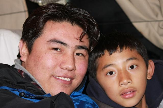 тибетец с сыном