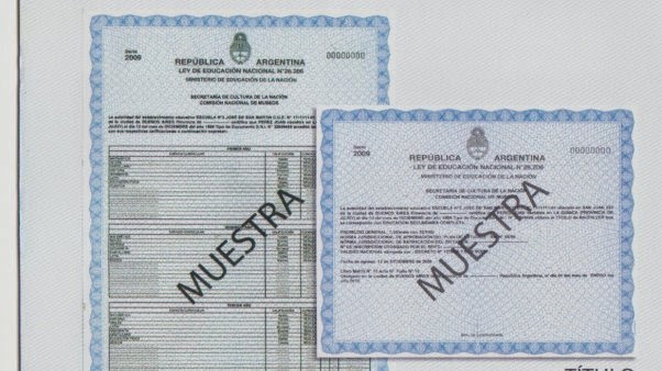 Mujer de buenos aires podr a ir a prisi n por falsificar for Legalizaciones ministerio del interior