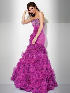 Vestido de formatura lilás.