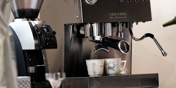 KAFFE FRA ØRISTERIET / Yummy
