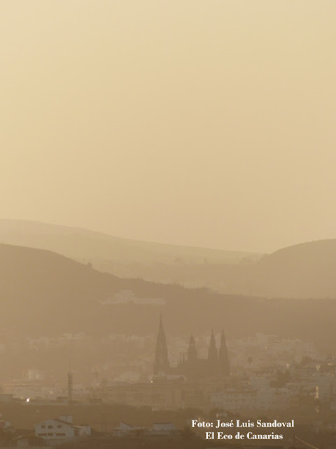 Fotos calima  Arucas Gran Canaria martes 26 enero