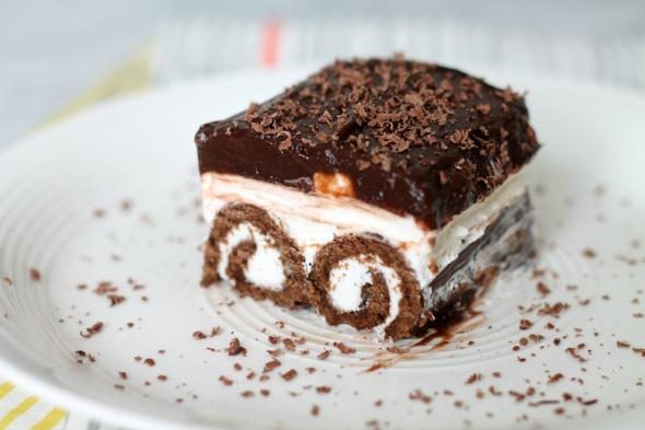 Swiss Cake Roll No-Bake Cake Recipe