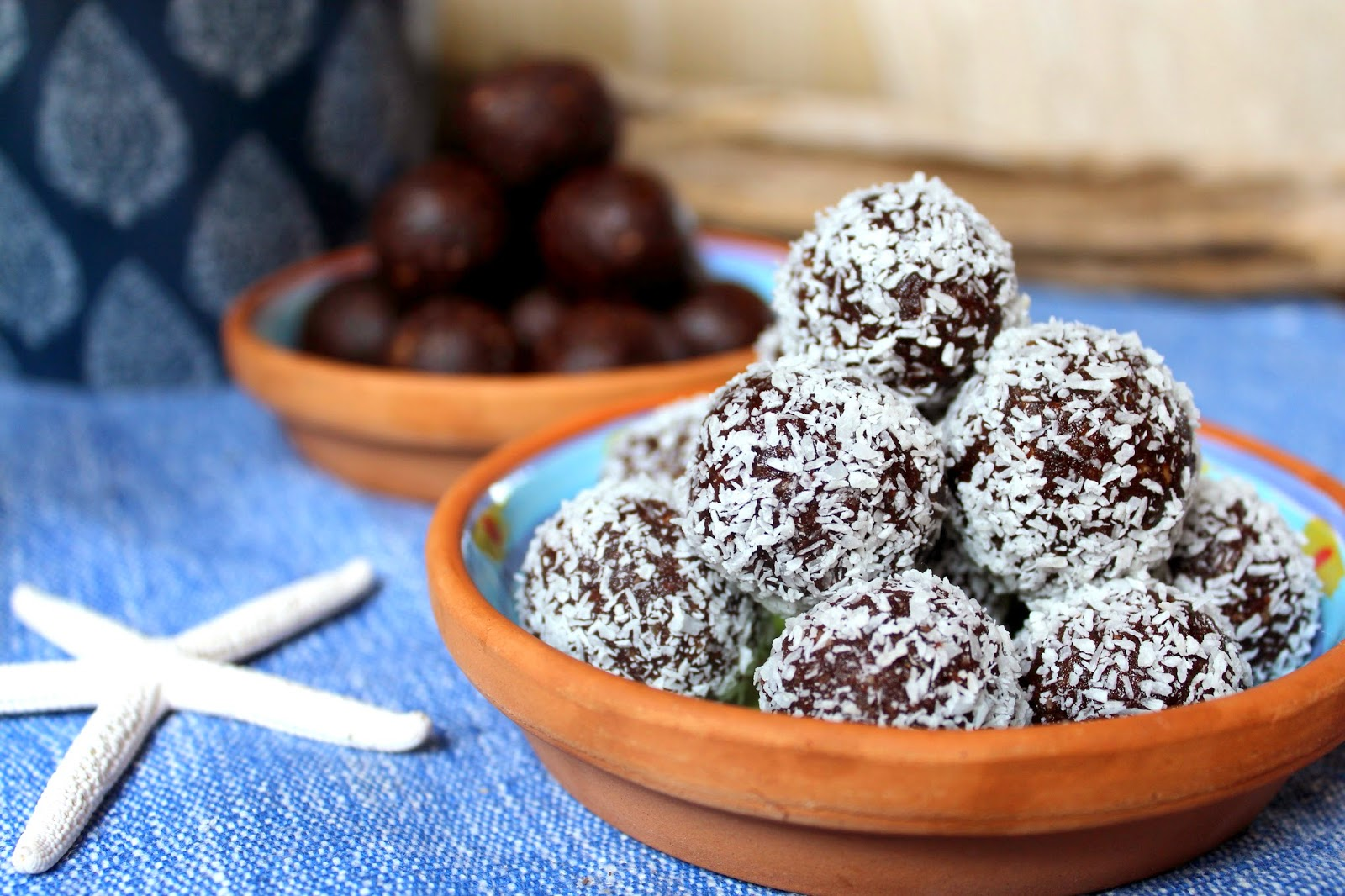 Coastal styling and craft ideas desire empire - Vegan Chocolate And Date Balls With Coconut