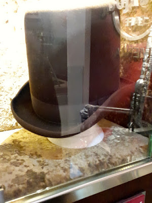 Will I Am Black Eyed Peas Hat in Hard Rock Vienna