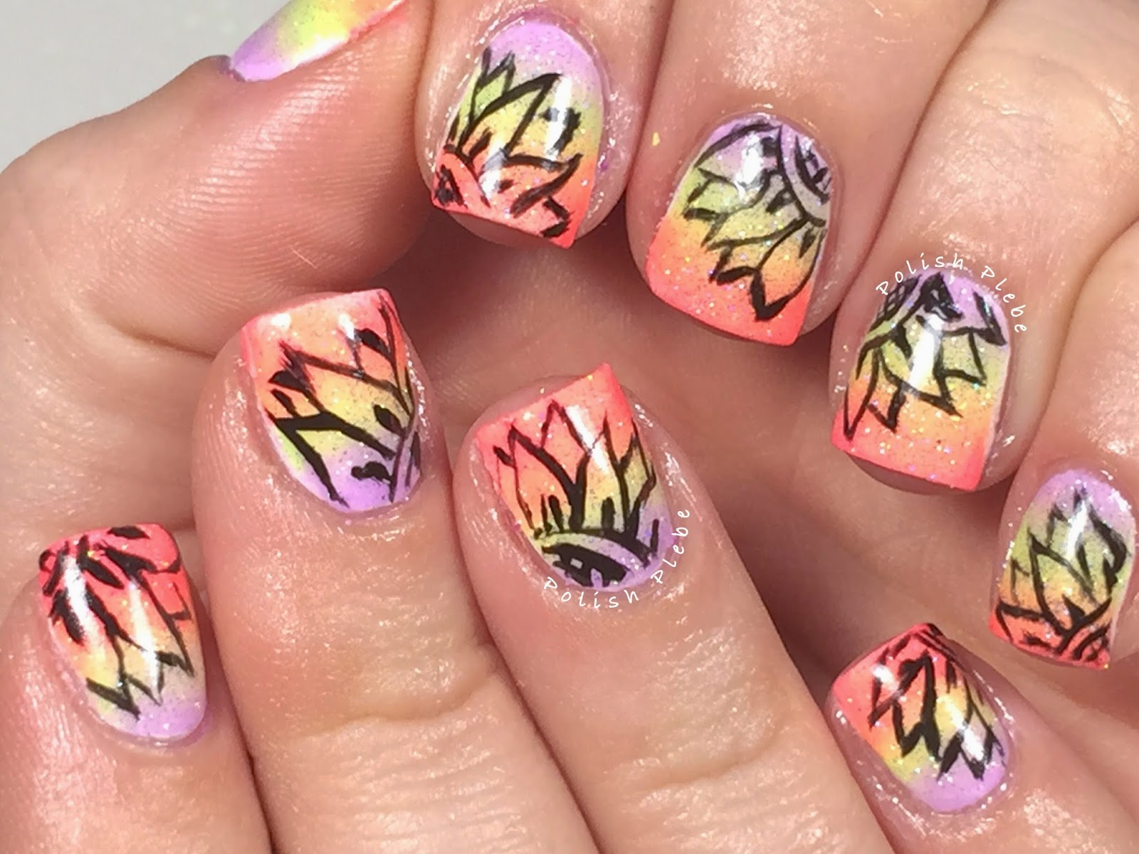 Nails Art: Outline Flower over Gradient