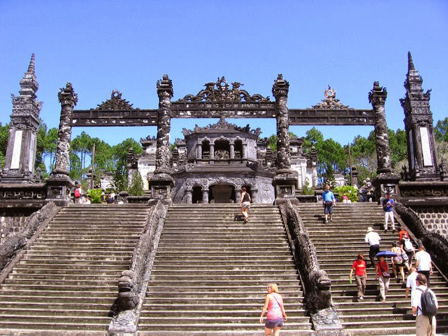 benteng-Hue-Vietnam