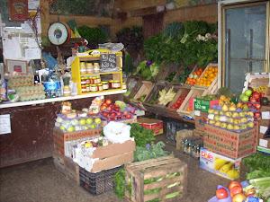 """Mercado de Frutas y Verduras """"Ceci""""."""