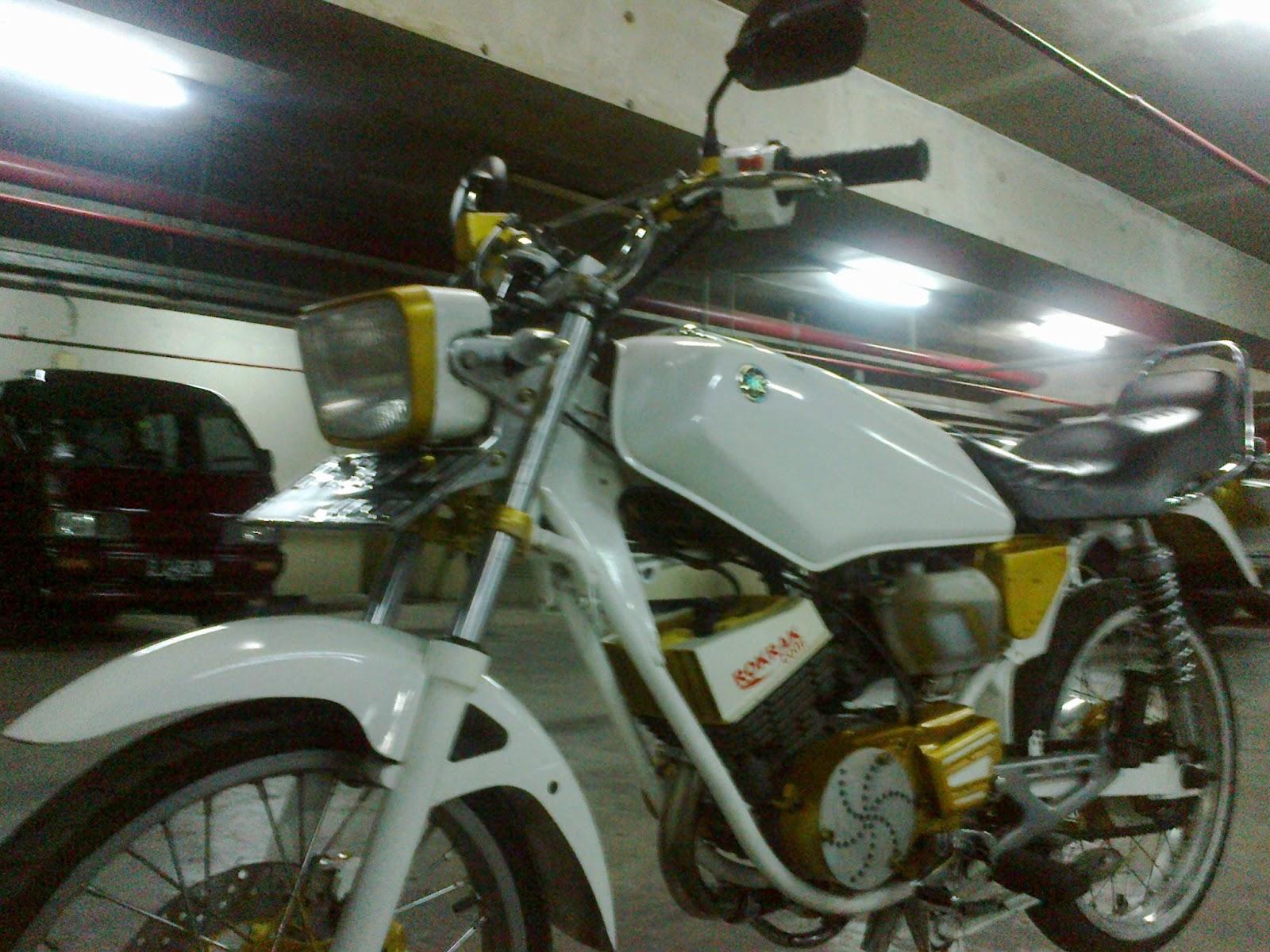 Stang original dilepas dan diganti dengan Stang milik Yamaha Vixion ...