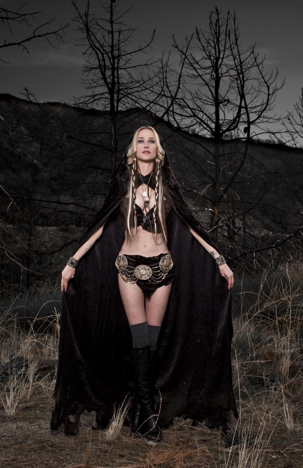 http://4.bp.blogspot.com/-yYy_WAyJUH0/UcQtoYKJwRI/AAAAAAAAY7g/XsIlyXCtyr0/s1600/Jill-Janus.jpg