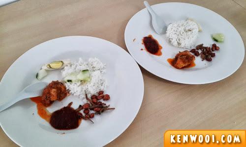 nasi lemak plates