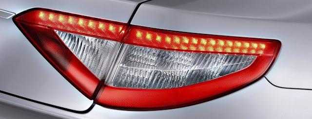 lampadine LED per auto (fanale Maserati)
