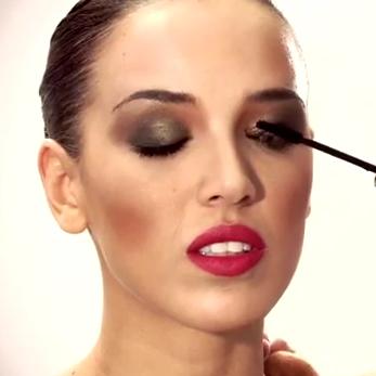 Maquillaje para Navidad vídeo Loreal Paris