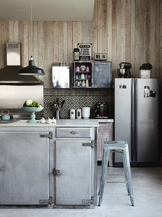 LOVE OR NOT: Industrial kitchens | Image by Pascal Francois via Rum Hemma.