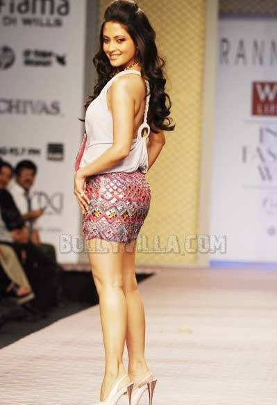 Riya Sen Hot Ramp Walk Pics