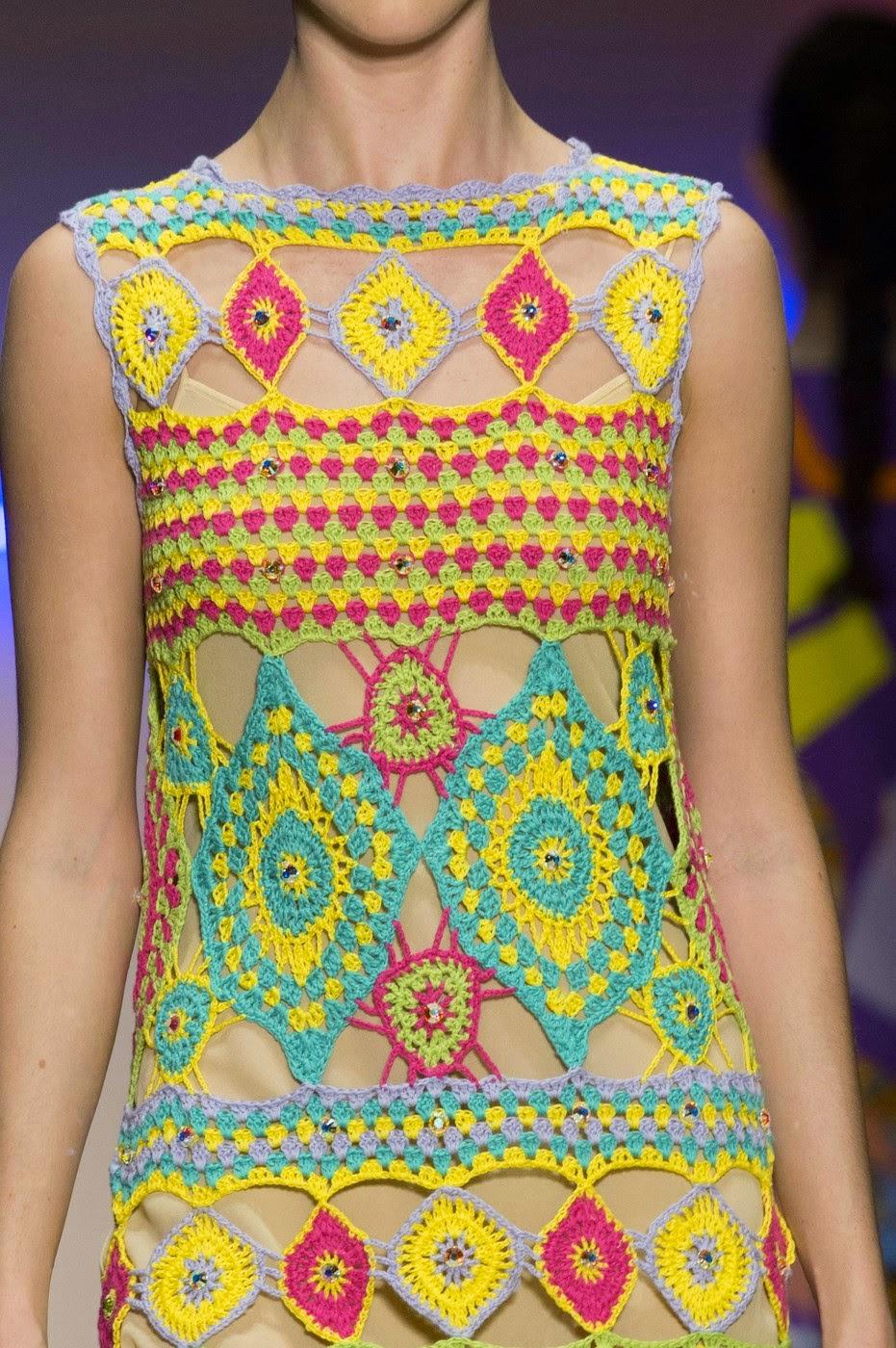 Летнее платье крючком от Laura Biagiotti Весна 2015