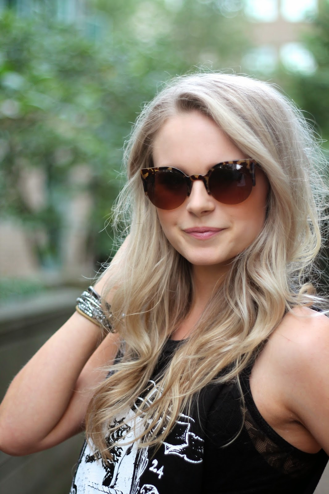 how to style retro sunglasses