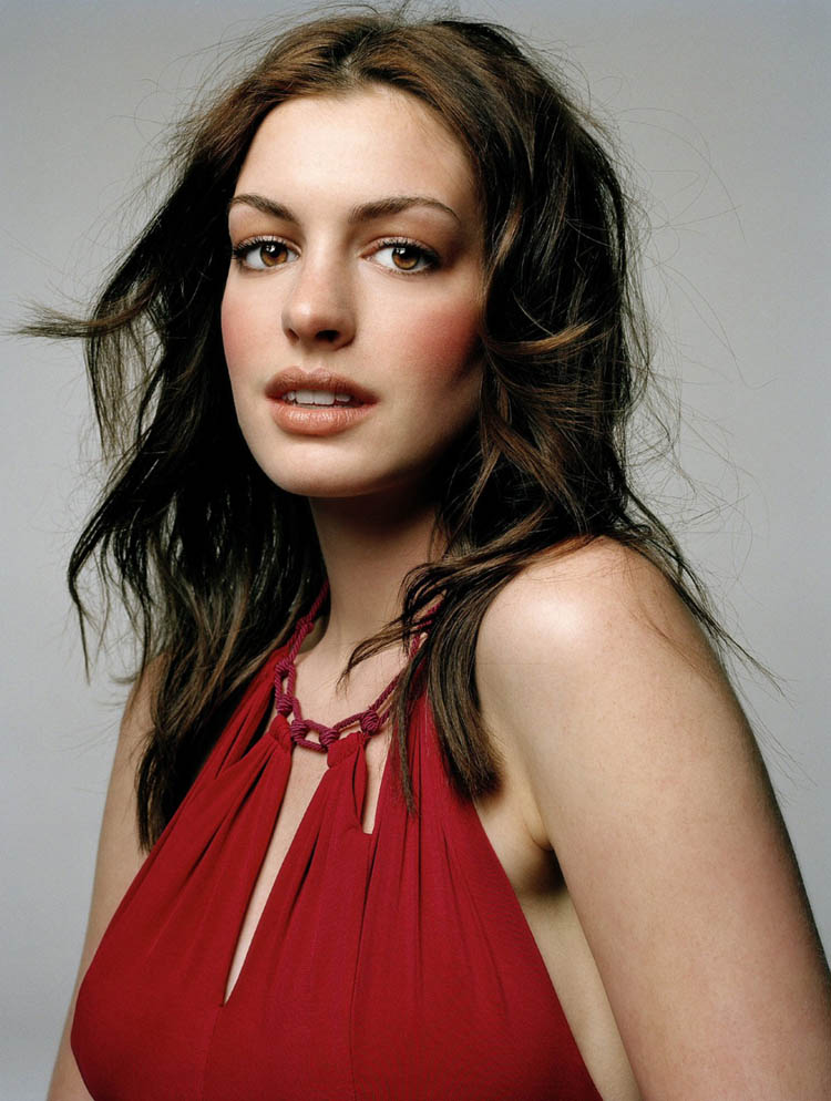 Anne Hathaway Hair Color 18