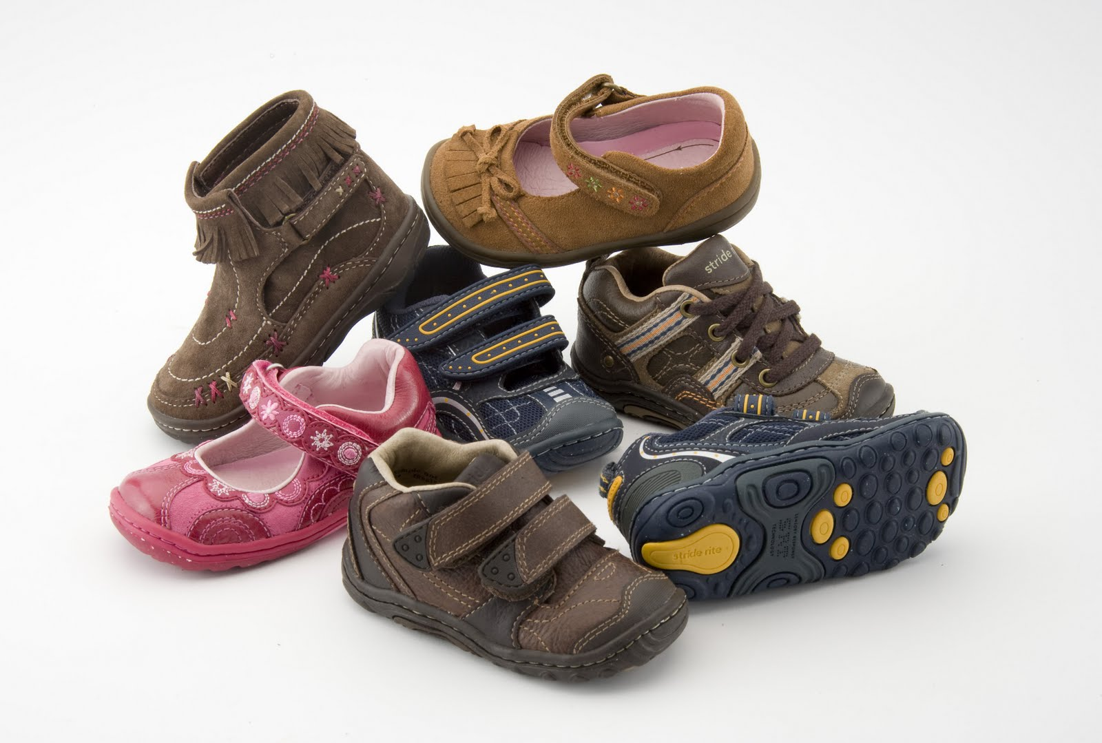 Kipling Shoe Company stocks quality name brand shoes in hard to fit sizes for the whole family and employees that give you the customer service that you need. Stop by .