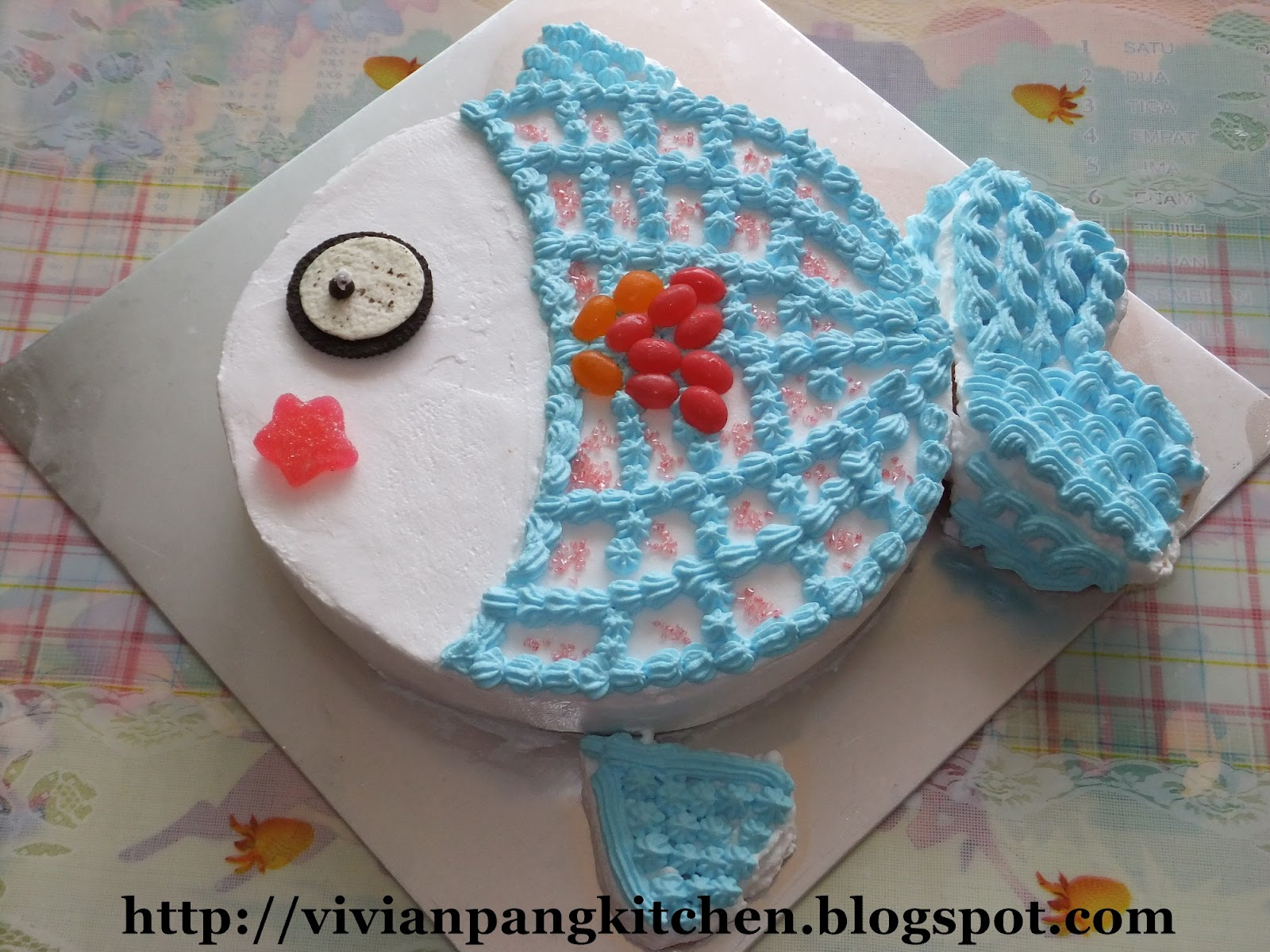 7 Year Old Birthday Cakes http://vivianpangkitchen.blogspot.com/2012/02/my-elder-son-turns-7th.html