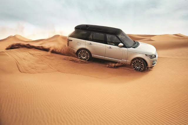 La nuova Range Rover (2013) in azione nel deserto