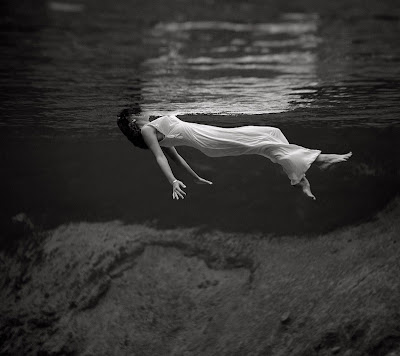 toni frissell - old phptography - black and grey images