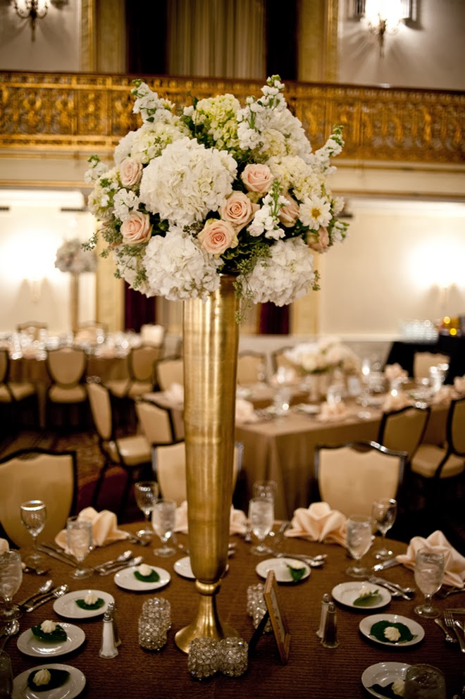 The best wedding centerpieces of 2013 the wedding blog for Floral arrangements for wedding reception centerpieces