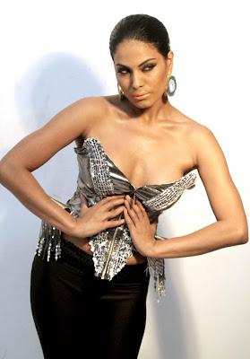 veena malik sizzling to support homosexuality hot photoshoot