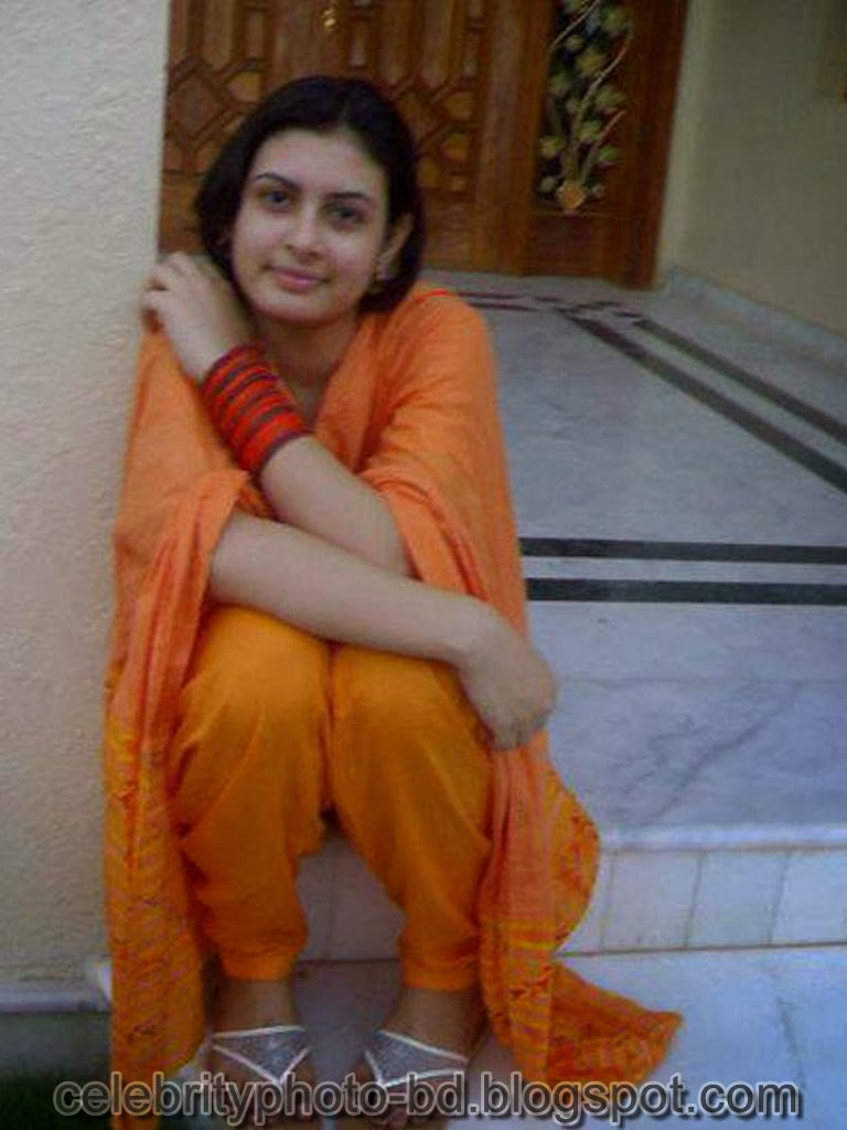 Desi+Girls+In+Salwar+Kameez+Photos008
