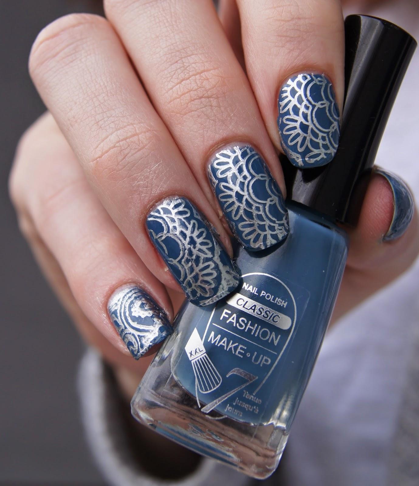 nail art bleu argent