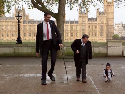 buongiornolink - Addio all'uomo più piccolo del mondo era alto solo 54 centimetri
