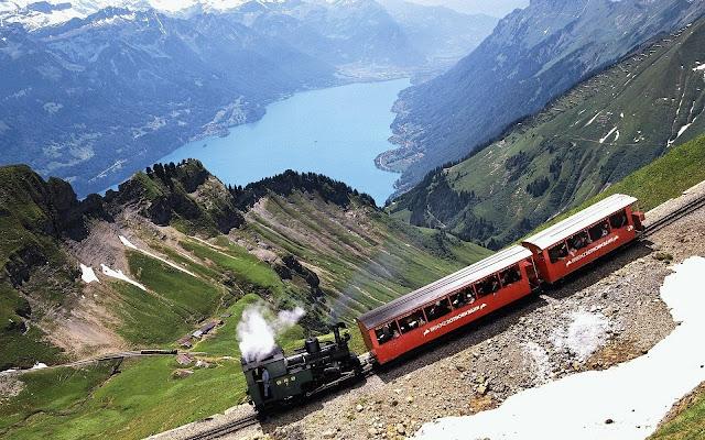 Locomotora entre las Montañas - Fotos de Trenes