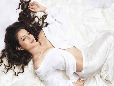 Photoshoot Of Hot Bollywood Actress Amisha Patel Stunning