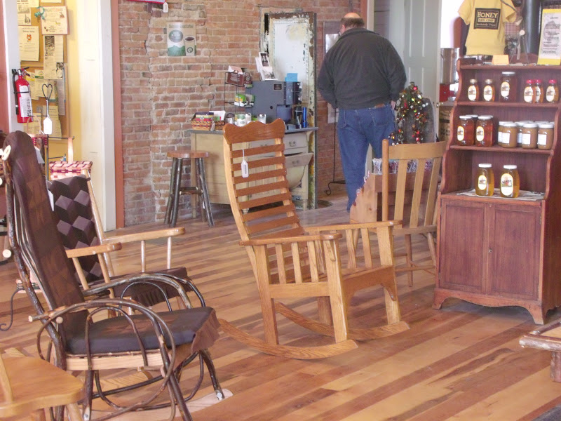 Cute On the inside lots of homemade Amish furniture