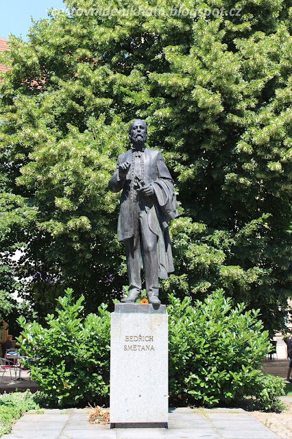socha Bedřicha Smetany // a statue of Bedřich Smetana