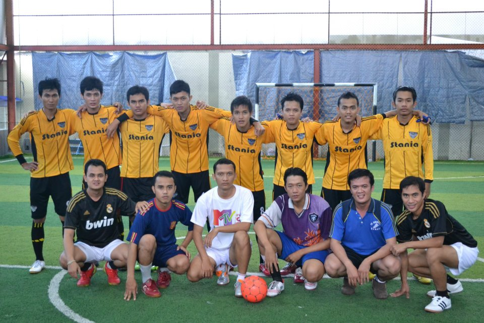 STANIA FC 2011-2012 vs STANIA FC 2001-2002