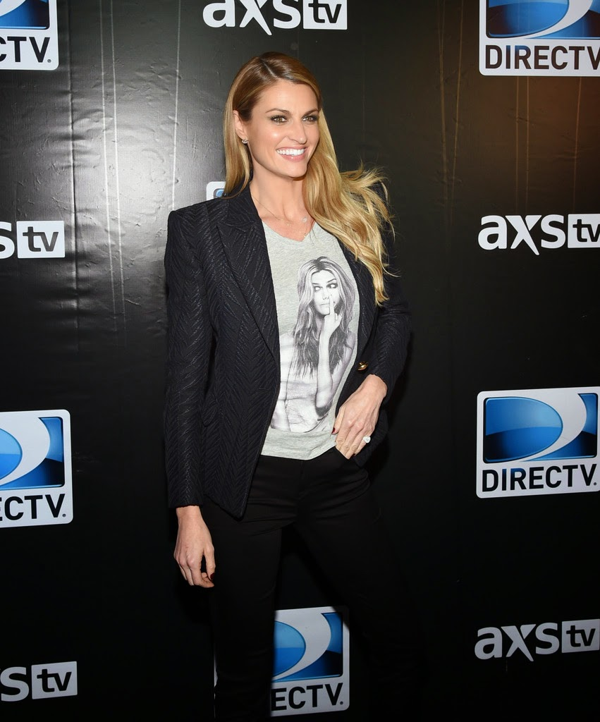 Sports TV Reporter: Erin Andrews - DirecTV Super Saturday Night in Glendale