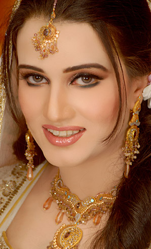 allenora makeup for walima
