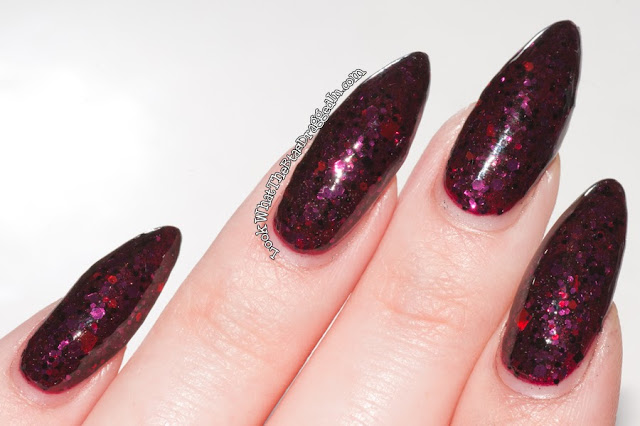 Lynnderella Very Pretty Vampire nail polish