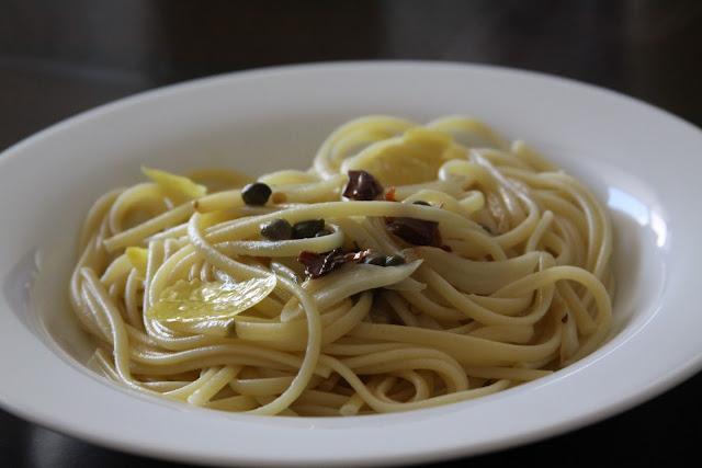 garlic, oil and chili linguini fini
