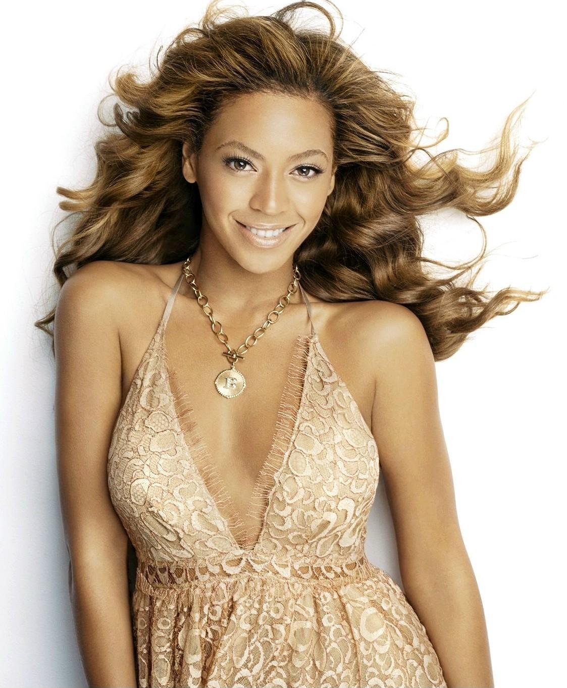 http://4.bp.blogspot.com/-ybCARrC28aU/UIgHNG-tnAI/AAAAAAAAIrY/Peer9hJcnh0/s1600/Beyonce.jpg