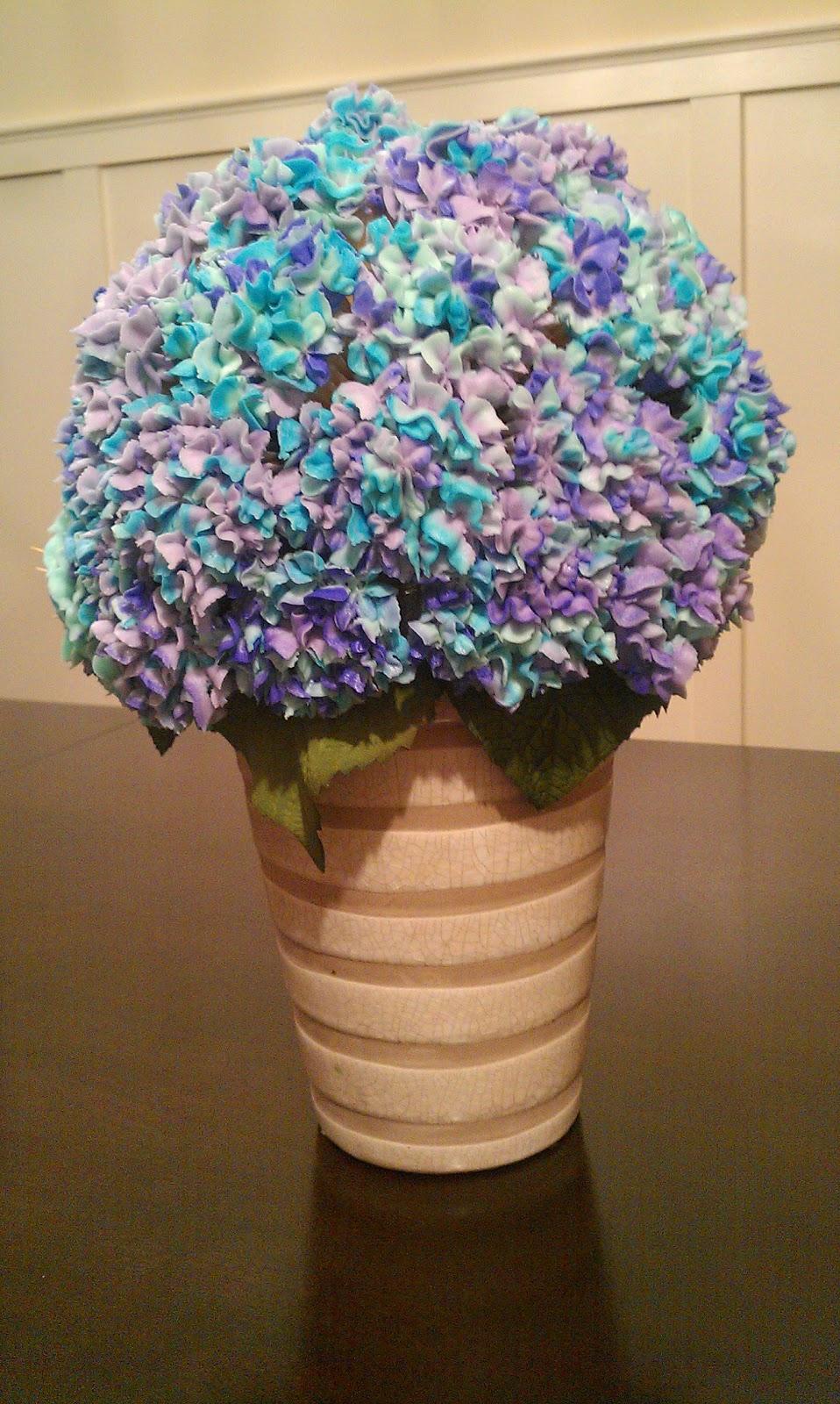 Cake geniuses hydrangea cupcake bouquet