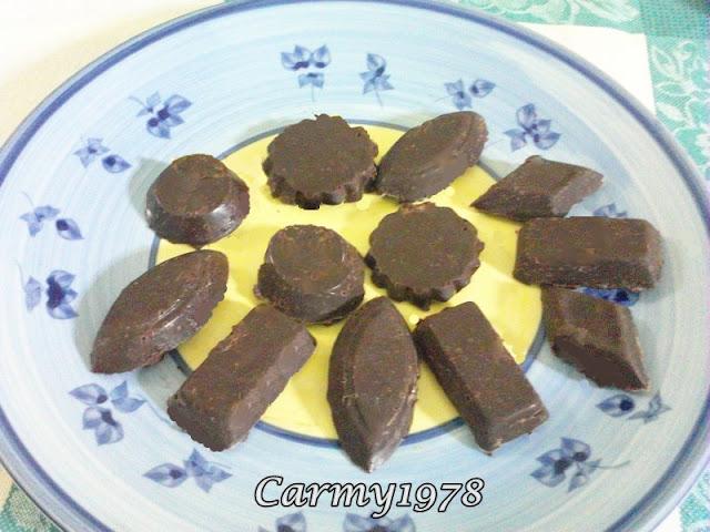 cioccolatini-fondenti-con-ripieno-vario