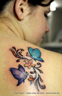 Tatuagens femininas delicadas 17