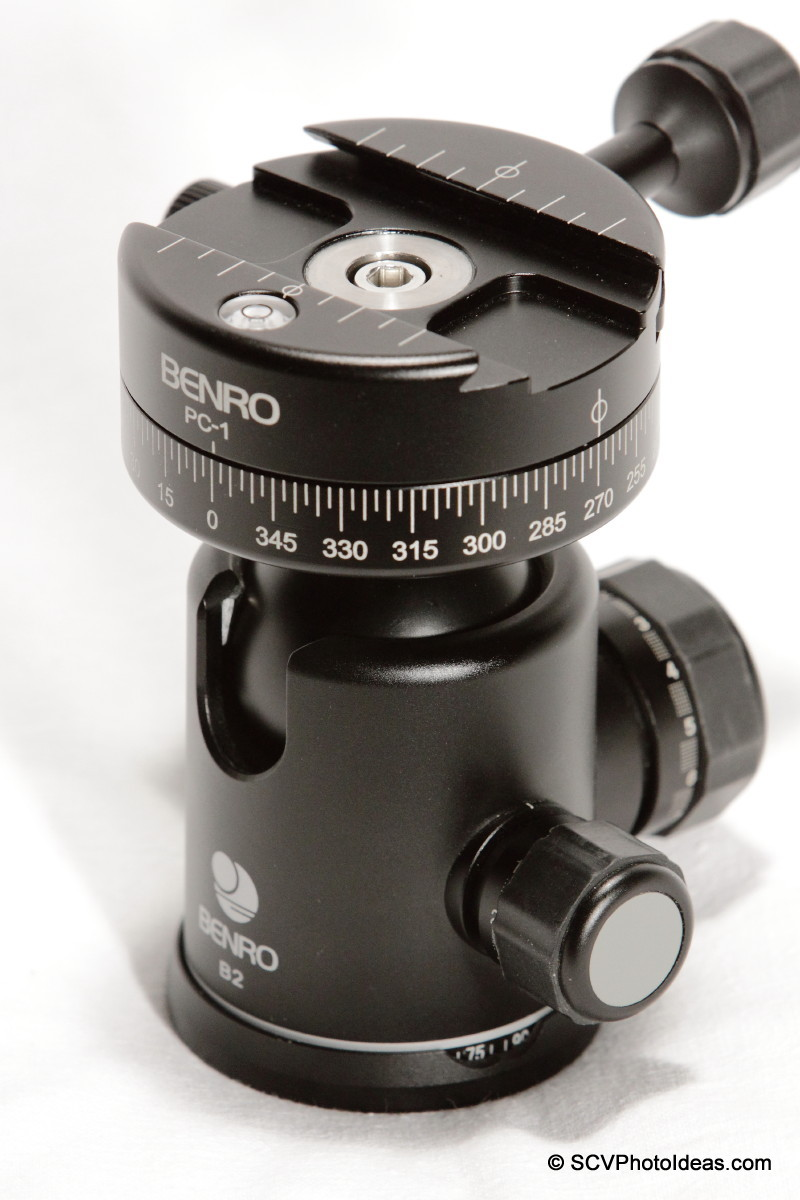 Benro PC-1 attached on Benro B-2 ball head