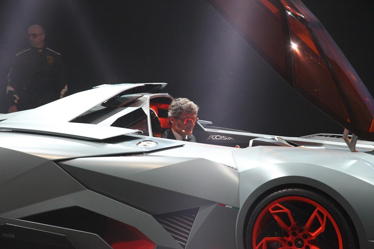 Un Aereo Senza Ali Per Il Numero Perfetto 1 Lamborghini Egoista