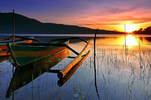Danau Beratan - Bratan, Bedugul Bali - Indonesia