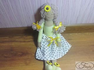 Ręcznie robiona lalka
