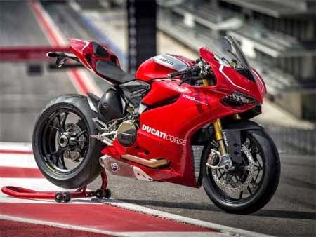 tampilan motor Ducati Panigale 1299 terbaru