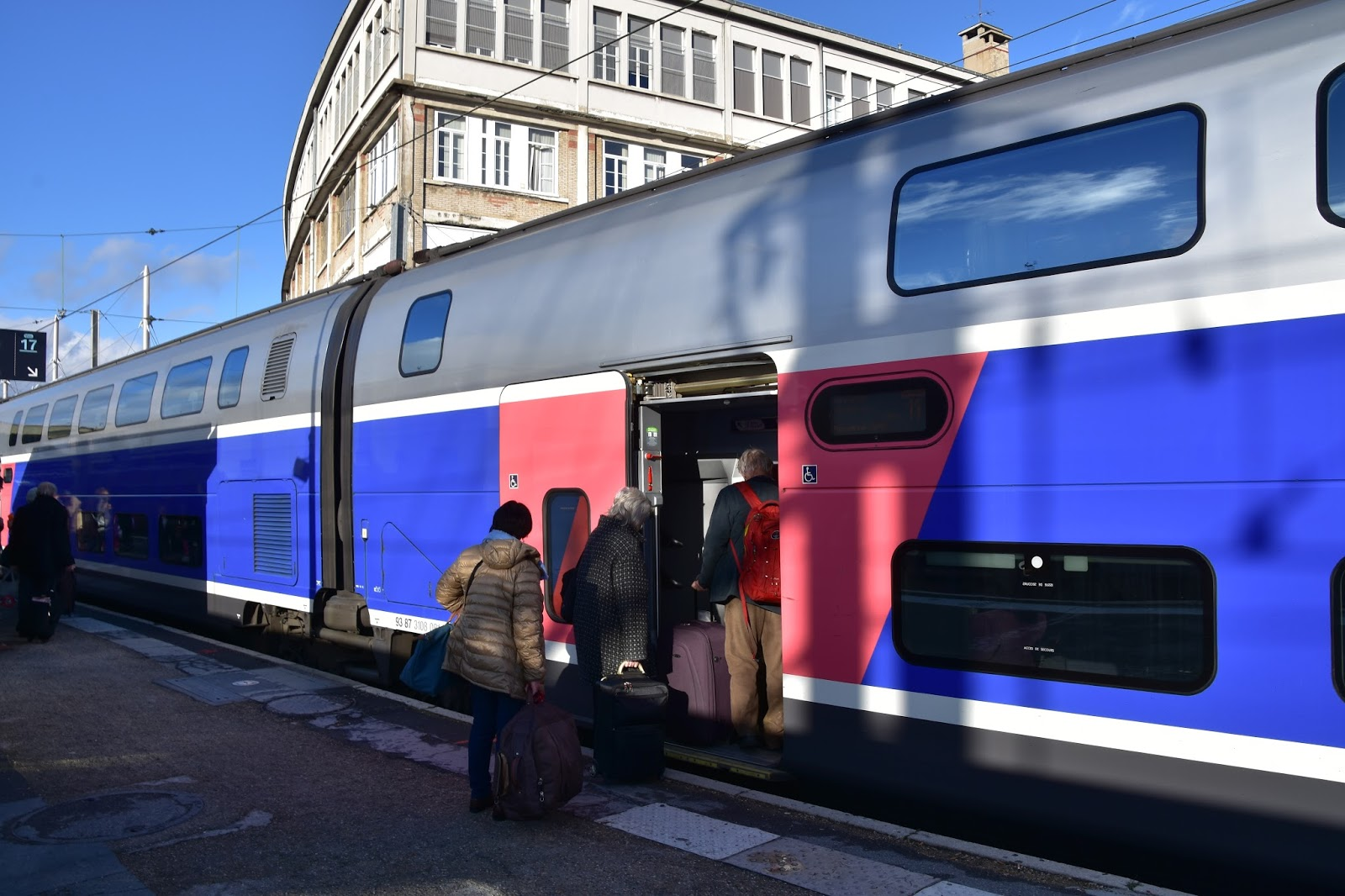 trains and other things paris to barcelona by tgv 2n2 part 1. Black Bedroom Furniture Sets. Home Design Ideas